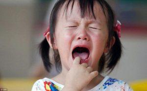 Những hành vi cho thấy trẻ đang lo lắng