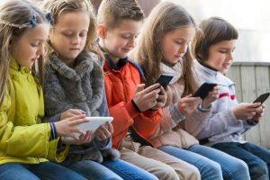 Mạng xã hội có thể làm giảm chỉ số hạnh phúc ở thanh thiếu niên?
