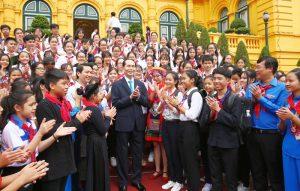 Chủ tịch nước Trần Đại Quang gặp mặt 200 Chỉ huy Đội xuất sắc toàn quốc